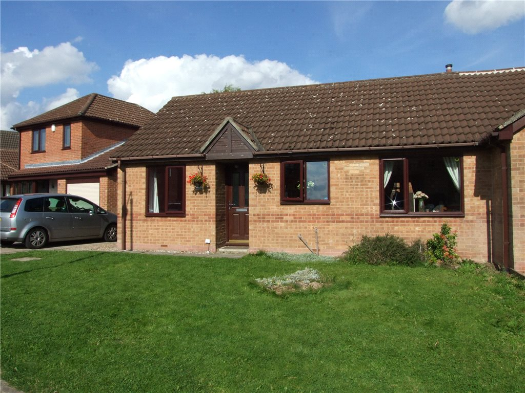 3 Bedrooms Semi Detached Bungalow for sale in Melton Court, Riddings, Alfreton, Derbyshire, DE55