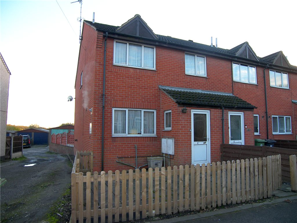 3 Bedrooms Town House for sale in Main Road, Pye Bridge, Alfreton, Derbyshire, DE55
