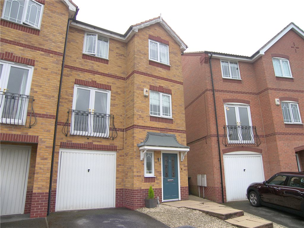 3 Bedrooms Town House for sale in Thornhill Drive, South Normanton, Alfreton, Derbyshire, DE55