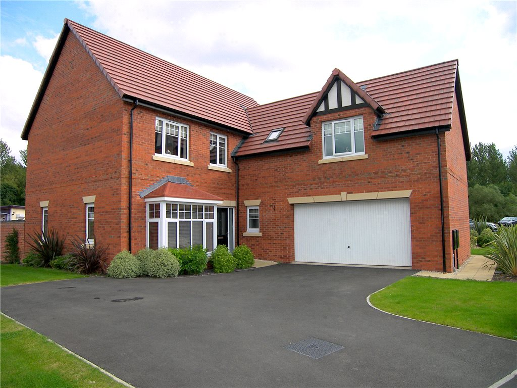 5 Bedrooms Detached House for sale in Chaworth Close, Damstead Park, Alfreton, Derbyshire, DE55