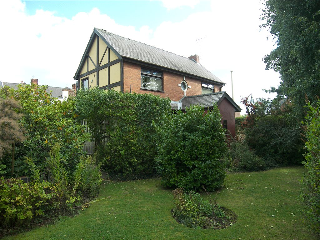 4 Bedrooms Detached House for sale in Queens Road North, Eastwood, Nottingham, Nottinghamshire, NG16