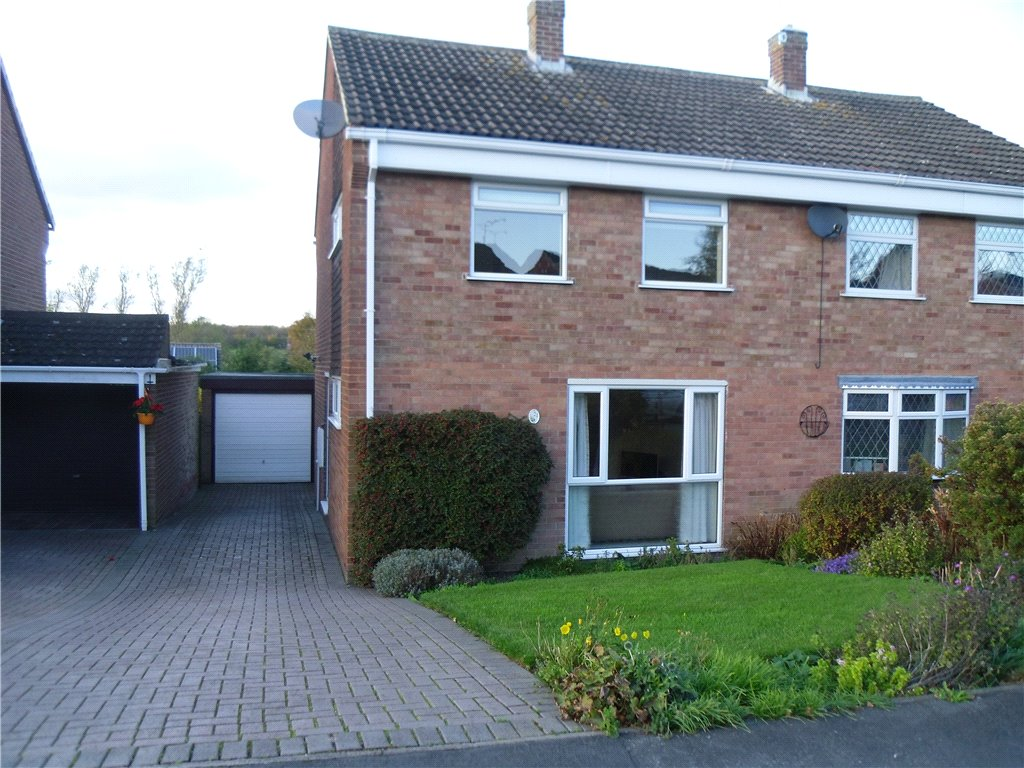 3 Bedrooms Semi Detached House for sale in Pippin Hill, Denby Village, Ripley, Derbyshire, DE5