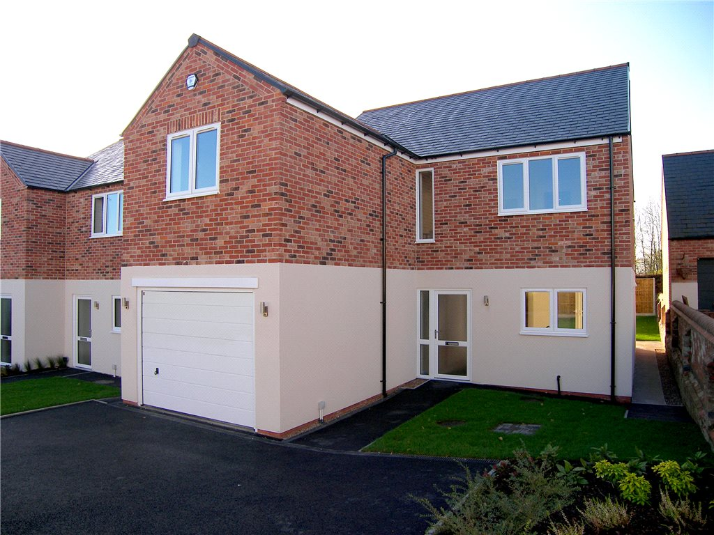 4 Bedrooms Detached House for sale in De Peverel Court, Shirland, Alfreton, Derbyshire, DE55