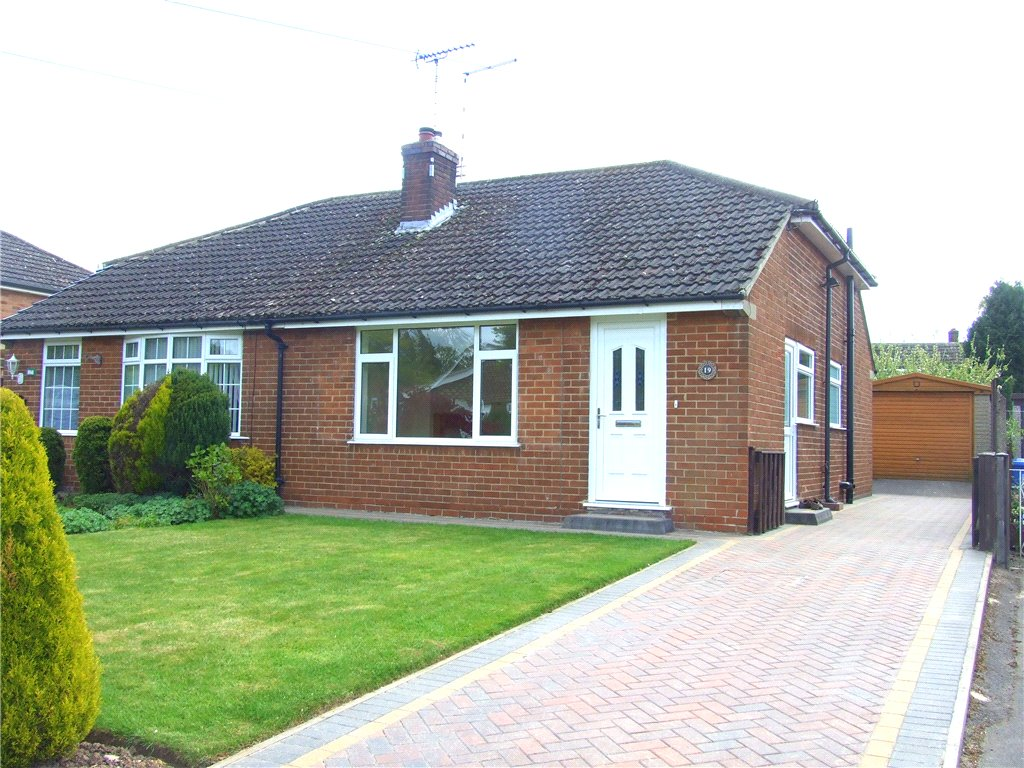 2 Bedrooms Semi Detached Bungalow for sale in Thirlmere Avenue, Allestree, Derby, Derbyshire, DE22