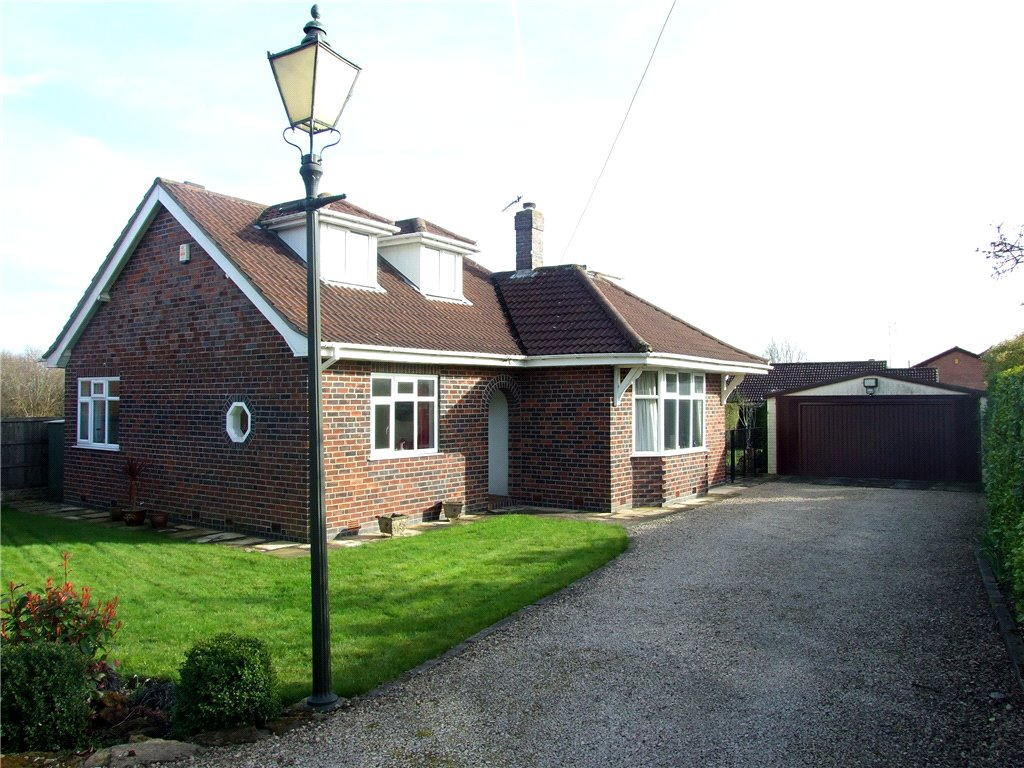 4 Bedrooms Detached Bungalow for sale in Foxlands Avenue, Allestree, Derby, Derbyshire, DE22