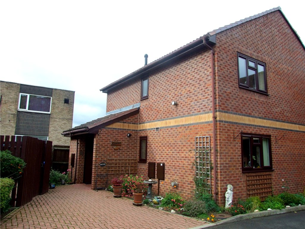 2 Bedrooms Flat for sale in Norbury Court, Allestree, Derby, Derbyshire, DE22