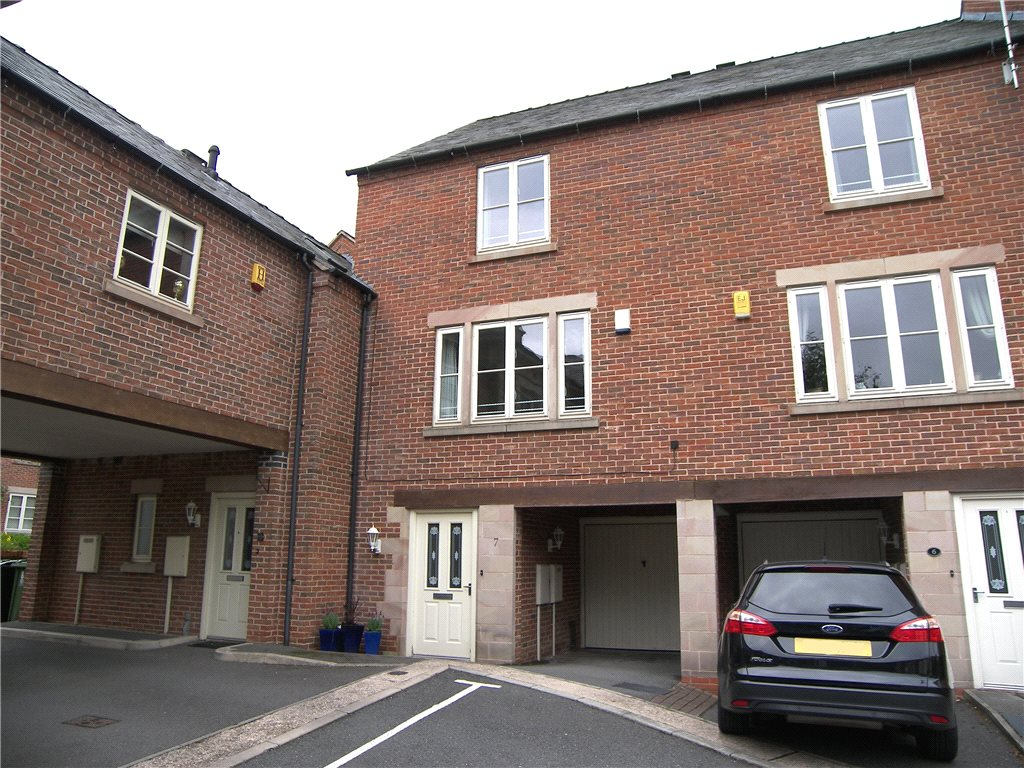 3 Bedrooms Town House for sale in Church View, Belper, Derbyshire, DE56