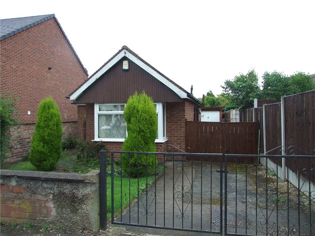 2 Bedrooms Detached Bungalow for sale in Holbrook Street, Heanor, Derbyshire, DE75