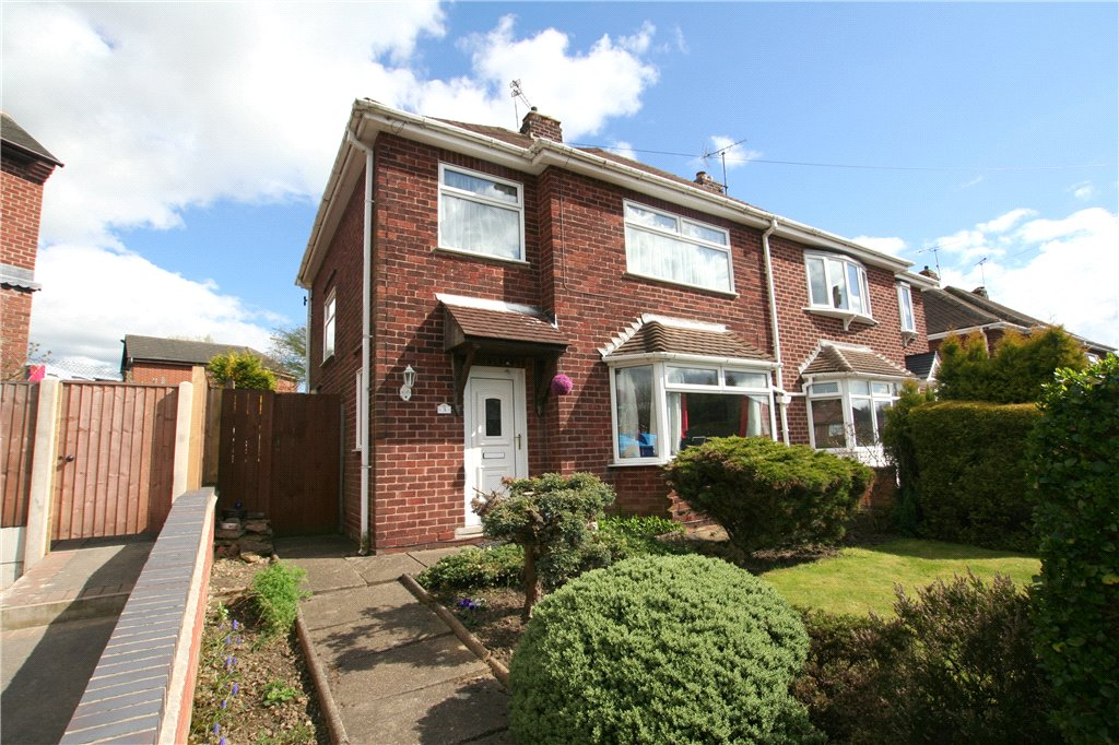 3 Bedrooms Semi Detached House for sale in Holmesfield Drive, Heanor, Derbyshire, DE75