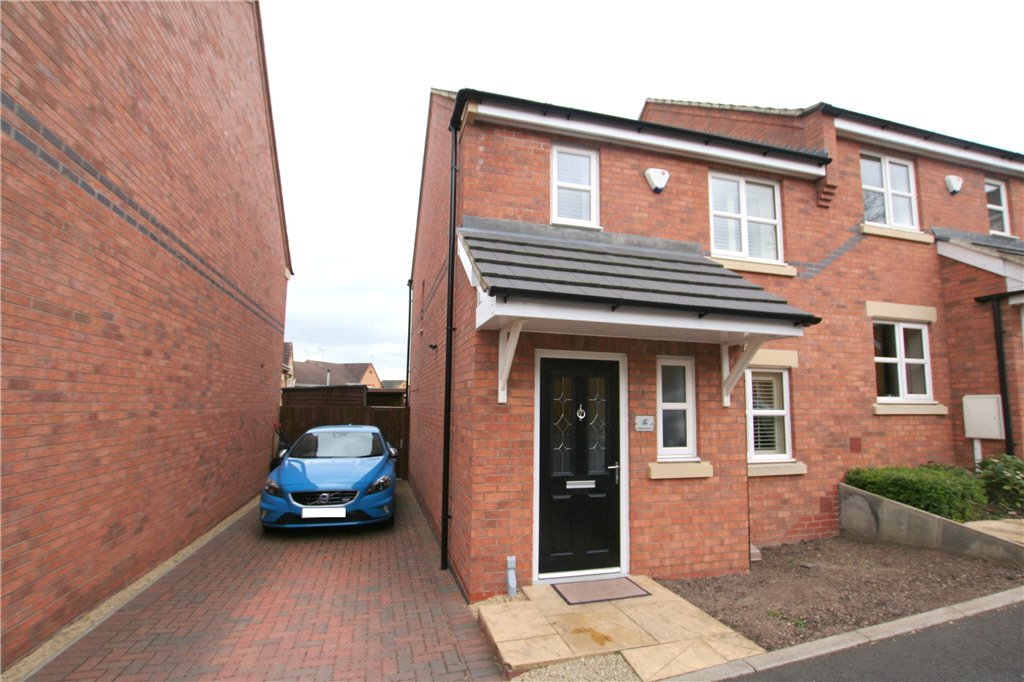 3 Bedrooms Semi Detached House for sale in Potters Hill View, Heanor, Derbyshire, DE75