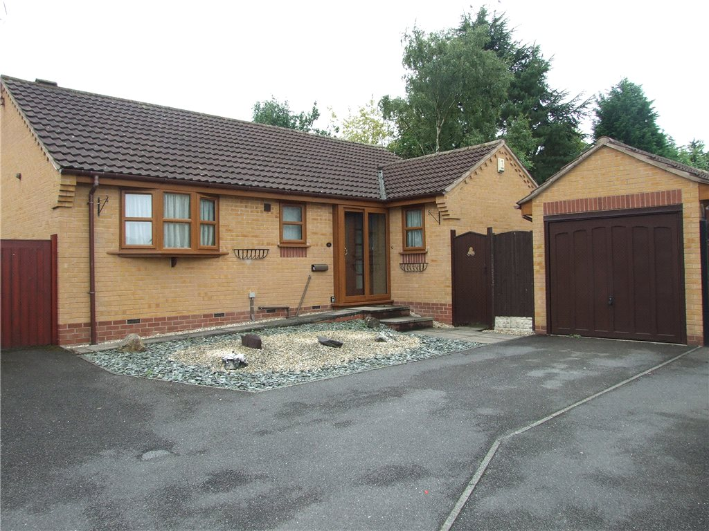 3 Bedrooms Detached Bungalow for sale in Barnes Croft, Heanor, Derbyshire, DE75