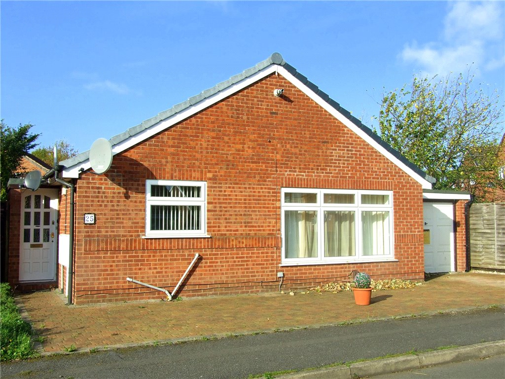 2 Bedrooms Detached Bungalow for sale in Hobkirk Drive, Sinfin, Derby, Derbyshire, DE24